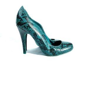 Kelsi Dagger green snakeskin print high heels pump